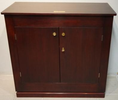 Cabinet in mahogany from the Italian liner M/N Giuseppe Verdi. Double door, 1 detachable shelf/2 compartments.