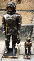 Limited 20th century bronze statues produced to commemorate the invention of the regulator for autonomous diving equipment by Rouquayrol and Denayrouze.