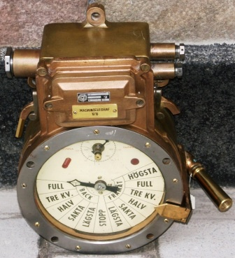 20th century engine room telegraph made of brass, as used by the Swedish Navy. Made 1943 by Webesenior Hagen UK.
