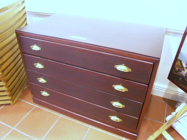 Chest of four drawers in mahogany and brass from the Italian liner M/N G. Verdi