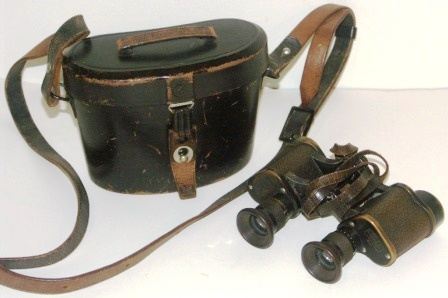 "Late 19th century Carl Zeiss/Jena ""Telex 6x"" binocular. Made of black laquered brass, leather-bound. In original leather case."