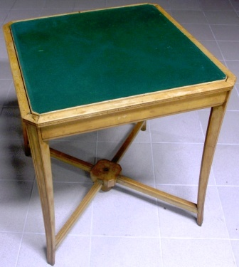 Bridge-table with turnable top leaf