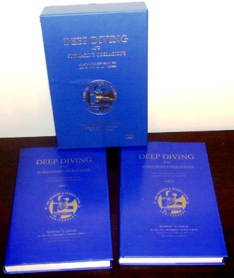 """Deep diving and submarine operations"" by Robert H. Davis. 2 volumes of the limited edition (No 116/1500) of Siebe Gormans 175th year anniversary box. 9th edition, published 1995. 693 pages."