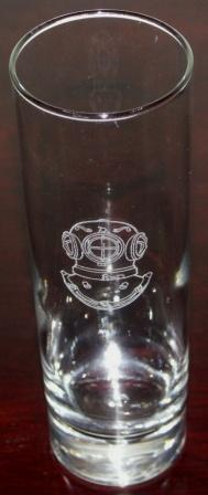 Divers long-drink glass with beautifully engraved traditional hard-hat.