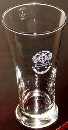 Numbered and crown-marked pint beer glasses with engraved diver's helmet