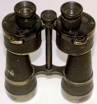 20th century German binocular in black-lacquered brass. Made by E. Leitz, Wetzlar. DF 10*50 Dienstglas