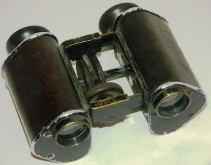 "Late 19th century binocular made by C.P. Goerz, Berlin. ""Trieder Binocle"", 9x. Made of black laquered metal, leather-bound."