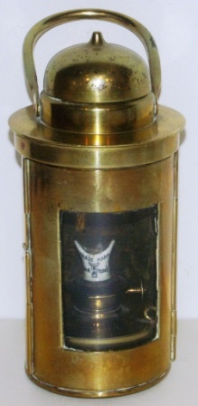 20th century kerosene binnacle lamp made of brass. Complete with original Barton's burner.