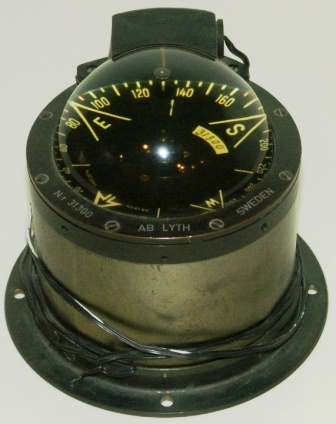 20th century electrified brass compass. No 31300. Made by AB Lyth Sweden.