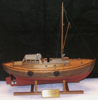 "20th century built model depicting a ""Motorlotskutter"", a Swedish wooden pilot boat built 1939. Scale 1:20."