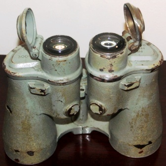 20th century naval binocular made of metal. 8x60, marked S.N./T. 3006, 49931 blc.