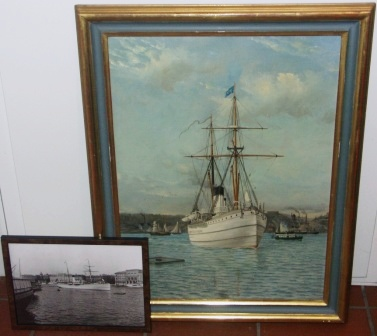 The Swedish steamer NORDSTJERNAN entering Stockholm harbour. Incl framed photo of the vessel passing Grand Hotel and National Museum of Stockholm.
