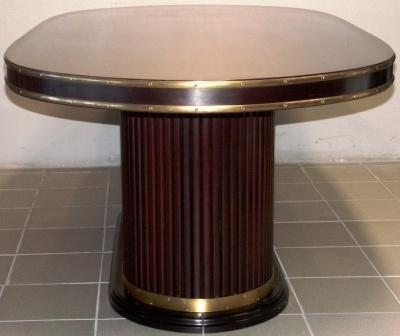 Oval table in mahogany and brass from the Italian liner M/N Rossini