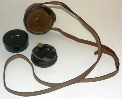 Late 19th century black lacquered brass pocket sextant with silver scale. Incl original leather case.