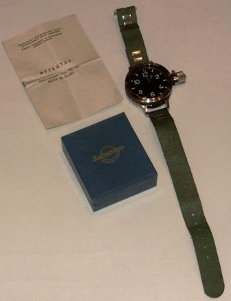 20th century Russian diving watch, no 8476 in original box. Incl description and certificate dated 1968.
