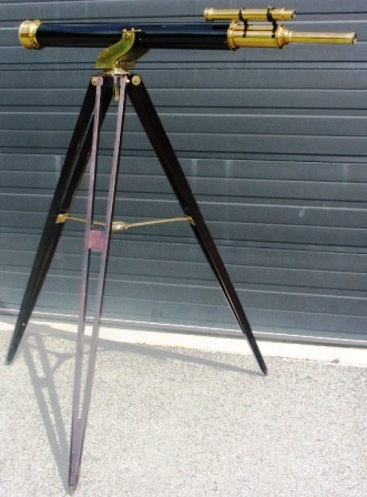 Late 19th century floor-stand telescope made by Broadhurst Clarkson & Co 63 Farringdon Rd. London E.C. Mahogany floor-stand, brass telescope (partly black-painted).