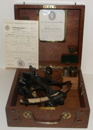 20th century sextant in original mahogany case. Made by Heath & Co, New Eltham, London. No W842. Circle frame, complete with three telescopes and two sun-filters. Examined in London January 3, 1957 as well as in Bremerhaven June 16, 1961.