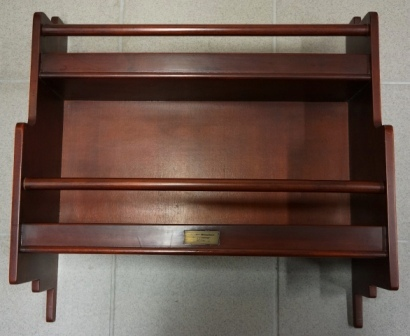 A pair of wall-mounted shelves in mahogany from M/S Yarrawonga Göteborg, Rederi AB Transatlantic.